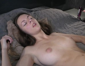 content/041917_21yo_virgin_rebeka_letting_me_finger_her_and_go_down_til_orgasm/1.jpg
